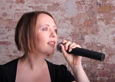 Sängerin - Arlt Entertainment