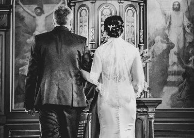 Brautpaar vor dem Altar